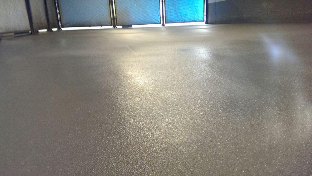 Промышленный полимерный пол для паркинга